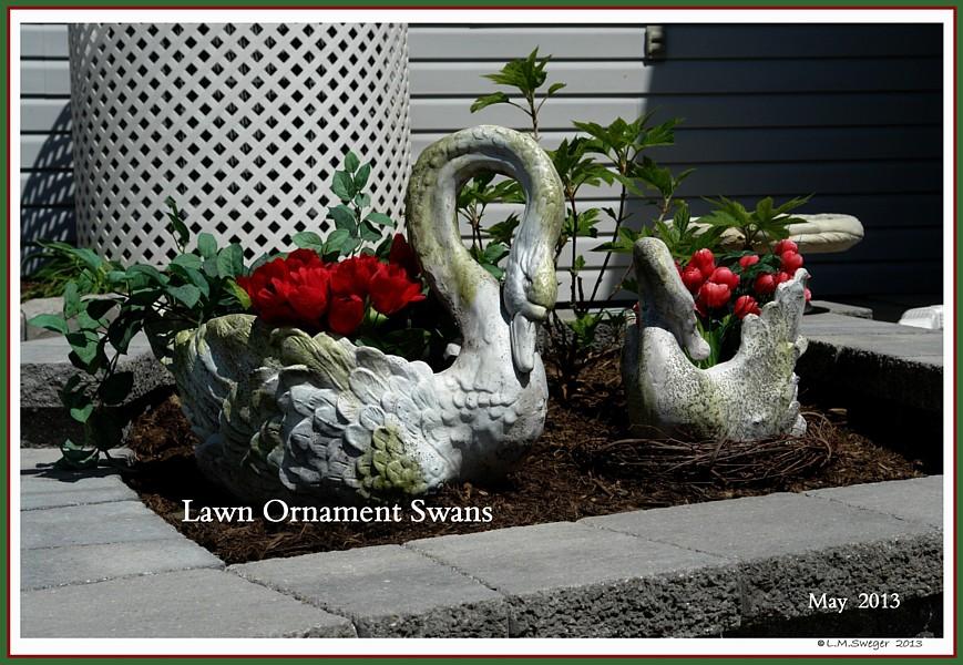 Lawn Ornament Swan