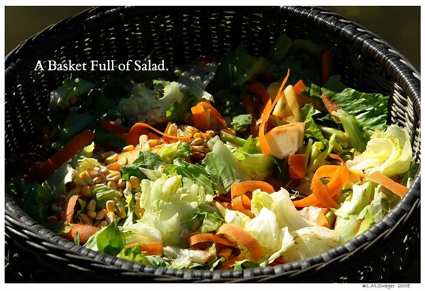 Basket Swan Vegetables