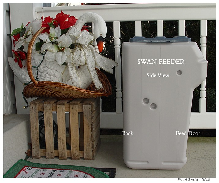 Aut-O-Dine Swan Feeder